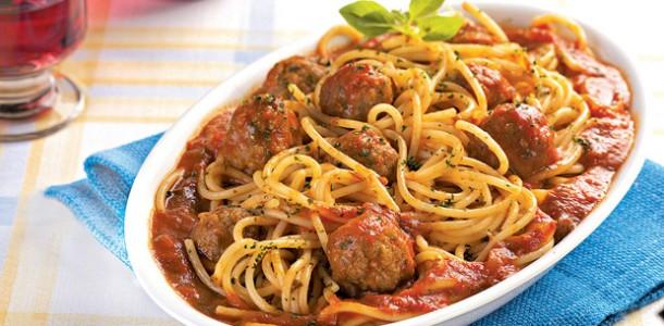 receita-espaguete-com-almondega