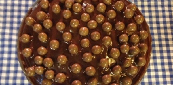 bolo-de-chocolate-com-nutella-e-maltesers-f8-15320