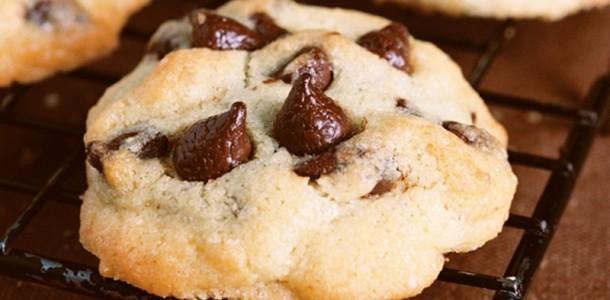 receita-cookies-com-gotas-de-chocol