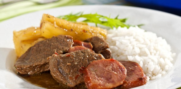 receita-carne-de-panela-com-mandioca-e-linguica