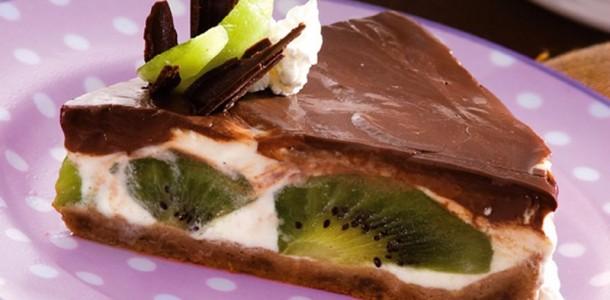 receita-torta-de-chocolate-com-frutas