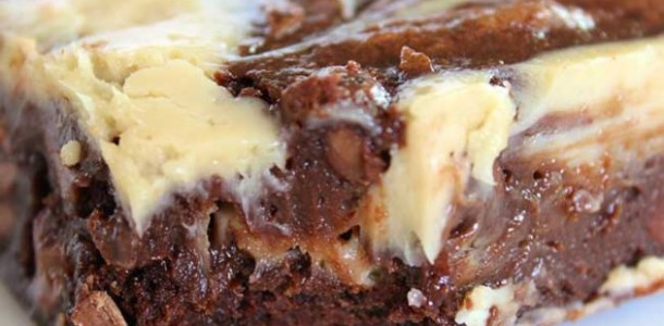 brownie-receheio-cremoso-calda-alcoolica