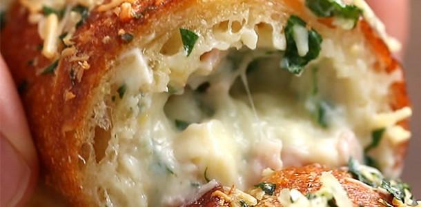 um-pao-de-alho-recheado-com-presunto-e-queijo-e-o-2-25701-1467998979-6_dblbig