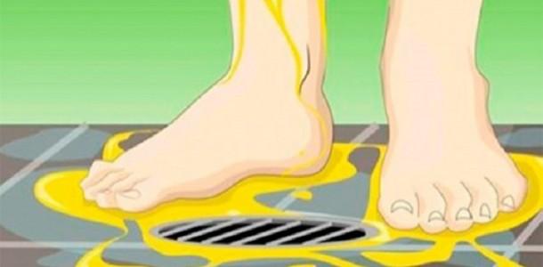 fazer-xixi-nos-pés-no-banho