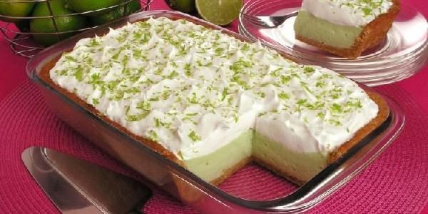 torta-de-limao-na-travessa