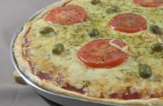 pizza-com-massa-feita-com-fermento-em-pó