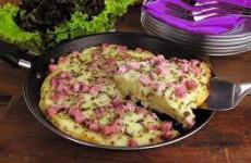 Torta de presunto e queijo de frigideira.1000